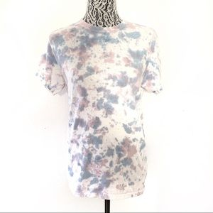 Pink blue tie dyed crew neck shirt small